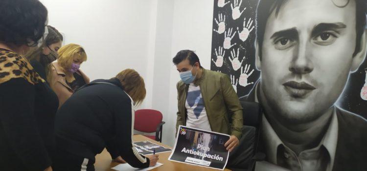El PP de Ermua se suma a la campaña nacional contra la ocupación ilegal de viviendas